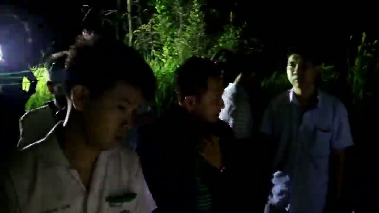 สัตหีบ-ขุดศพนักธุรกิจออสซี่ ถูกอุ้มฆ่าฝังป่าริมถนนสายวิหารเซียน